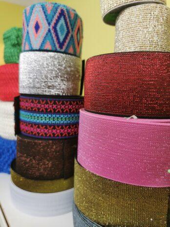 Įvairių spalvų juostelės